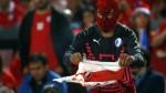 FIFA ya tendría conocimiento del chileno que quemó camiseta de Perú - Noticias de javier quintana