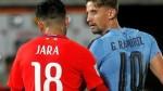 Gonzalo Jara: lo captan tocándole el trasero a jugador uruguayo - Noticias de gaston ramirez