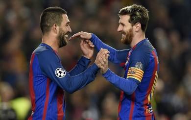 Barcelona goleó 4-0 al M'gladbach en Champions con triplete de Turan