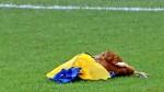 Newell's: hinchas lanzaron una gallina muerta en choque con San Martín - Noticias de marcelo bielsa