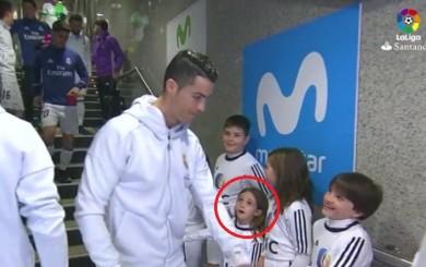 Niña quedó asombrada al ver tan cerca a Cristiano Ronaldo