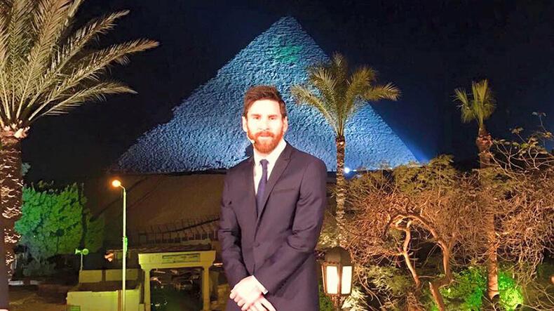 Messi visitó Egipto para una campaña contra la hepatitis C