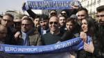 Los hinchas del Napoli cantan frente al hotel del Real Madrid - Noticias de marek hamsik