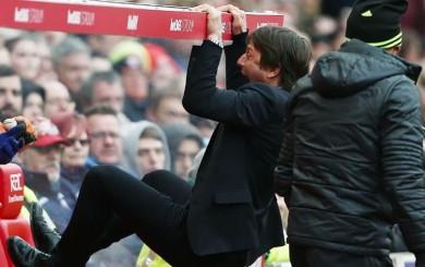 Chelsea: el loco festejo de Antonio Conte en el gol de Gary Cahill