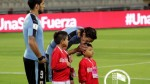 Cavani y el beso a un niño peruano que conmueve a nuestro país - Noticias de offside