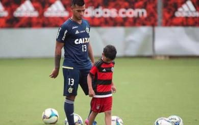 Miguel Trauco y su gran motivación: entrenó con su hijo en el Flamengo