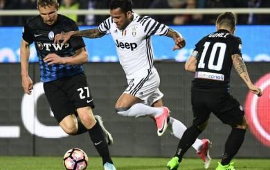 Juventus dejó escapar dos puntos en su visita al Atalanta y empató 2-2