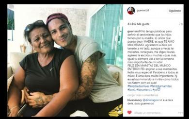 Paolo Guerrero y los saludos de futbolistas peruanos por el Día de la Madre