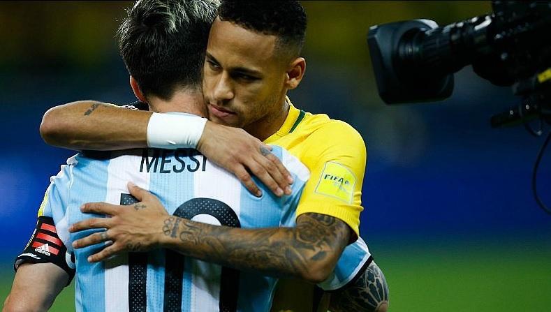 Neymar y Messi en uno de los clásicos entre Brasil y Argentina.