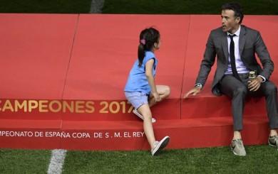 Luis Enrique y el emotivo festejo junto a su hija en despedida de Barcelona