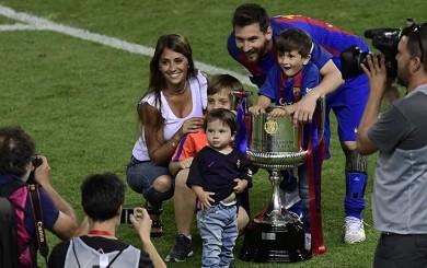 Barcelona: Messi, Piqué, Suárez y el DT Luis Enrique festejaron con sus hijos