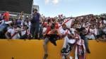FIFA sancionó a la FPF por cantos homofóbicos de hinchas ante Ecuador - Noticias de franco peruano